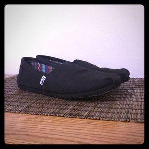 black on black toms slip ons size 9